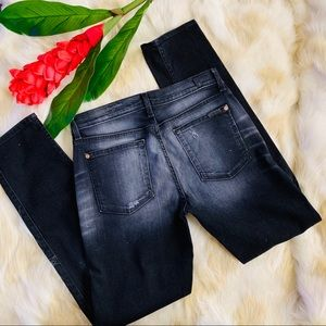 7 for all Mankind 28 relaxed skinny jeans black
